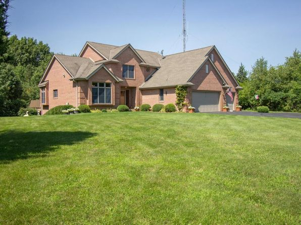 3 bed 4 bath Single Family at W2162 Country Club Ln East Troy, WI, 53120 is for sale at 719k - 1 of 25