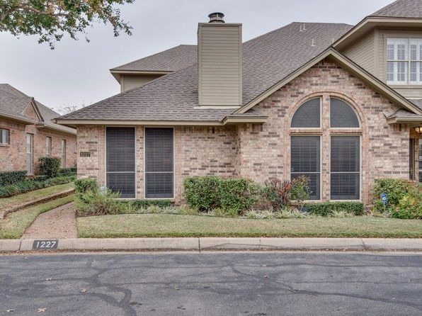 3 bed 3 bath Townhouse at 1227 Wooded Trl Hurst, TX, 76053 is for sale at 239k - 1 of 26