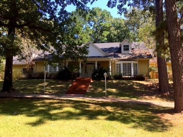 4 bed 3 bath Single Family at 112 Hilltop Cir Pineville, LA, 71360 is for sale at 375k - 1 of 3