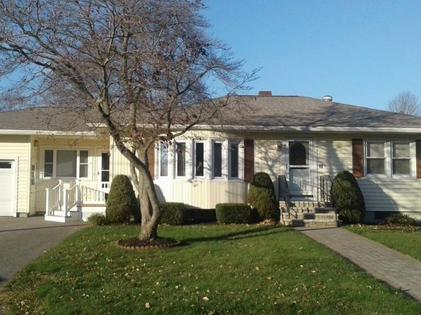 2 bed 1 bath Single Family at 15 Fermanagh St Haverhill, MA, 01835 is for sale at 360k - 1 of 26