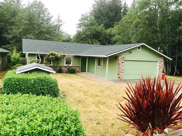 3 bed 2 bath Single Family at 875 Modoc St Crescent City, CA, 95531 is for sale at 250k - 1 of 26