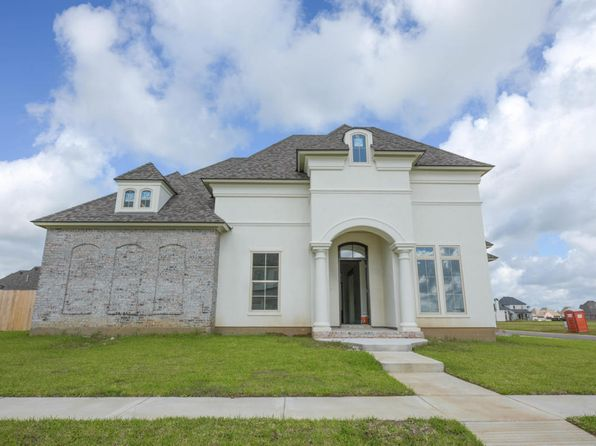5 bed 4 bath Single Family at 300 Sylvester Dr Youngsville, LA, 70592 is for sale at 559k - 1 of 7