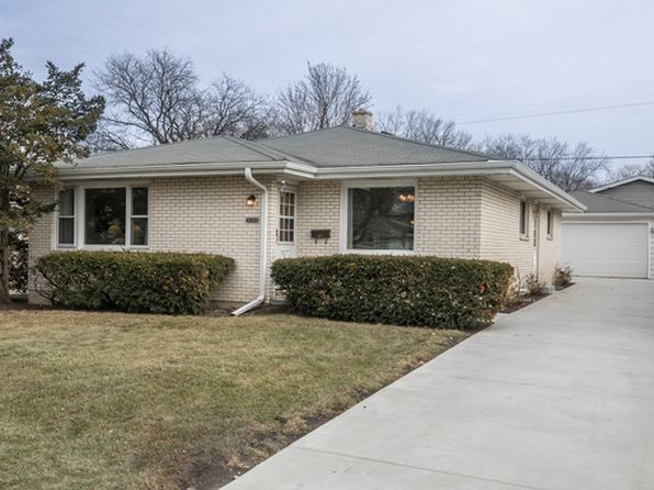 3 bed 2 bath Single Family at 2019 N Jackson St Waukegan, IL, 60087 is for sale at 140k - 1 of 19
