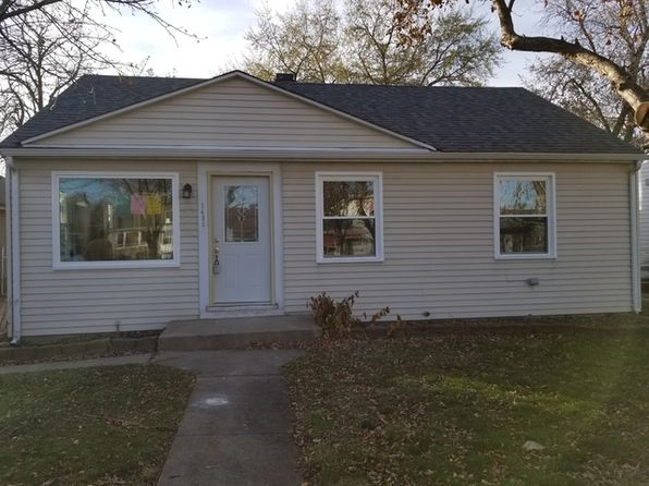 3 bed 2 bath Single Family at 2436 Dora St Franklin Park, IL, 60131 is for sale at 255k - 1 of 17