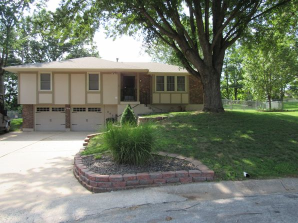 3 bed 3 bath Single Family at 207 NE Carriage Ct Lees Summit, MO, 64064 is for sale at 165k - 1 of 20
