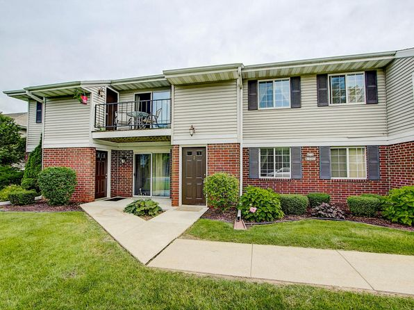 2 bed 2 bath Condo at N110W16973 Ashbury Cir Germantown, WI, 53022 is for sale at 130k - 1 of 26