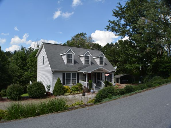 3 bed 3 bath Single Family at 60 Hennessee St Clyde, NC, 28721 is for sale at 260k - 1 of 36