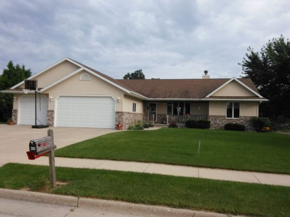 4 bed 3 bath Single Family at 459 Oak Spring Dr Lomira, WI, 53048 is for sale at 220k - 1 of 12
