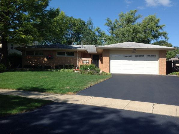 3 bed 2 bath Single Family at 17012 Odell Ave Tinley Park, IL, 60477 is for sale at 246k - 1 of 7