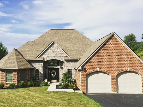 4 bed 3 bath Single Family at 403 Fountain Spring Dr Peterstown, WV, 24963 is for sale at 269k - 1 of 17