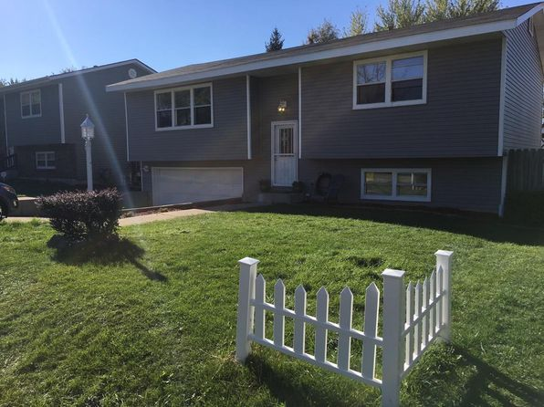 4 bed 2 bath Single Family at 1514 Woodridge Dr Round Lake Beach, IL, 60073 is for sale at 180k - 1 of 26