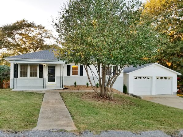 4 bed 3 bath Single Family at 123 McCollum St Easley, SC, 29640 is for sale at 160k - 1 of 39