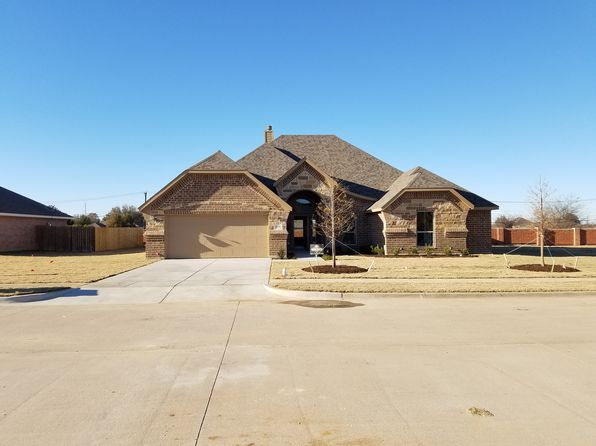 4 bed 2 bath Single Family at 404 Hummingbird Trl Crowley, TX, 76036 is for sale at 270k - 1 of 27