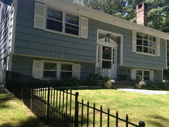 3 bed 2 bath Single Family at 16 HUTCHINSON DR BOOTHBAY HARBOR, ME, 04538 is for sale at 239k - 1 of 27