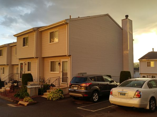 2 bed 2 bath Condo at 273 Derby Ave Derby, CT, 06418 is for sale at 135k - 1 of 24