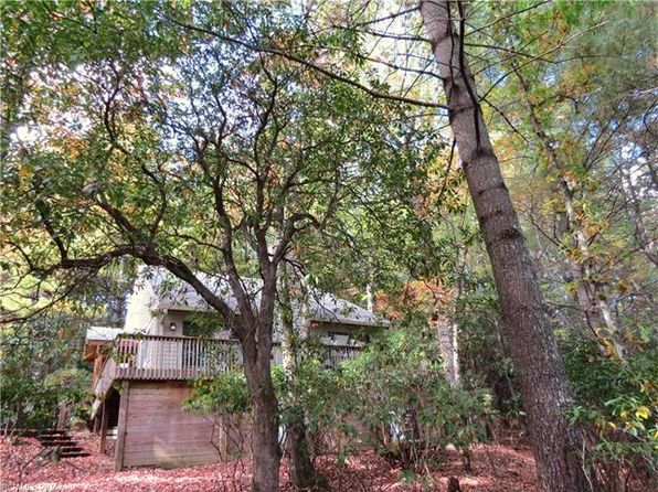 3 bed 2 bath Single Family at 164 Dalonigei Ct Brevard, NC, 28712 is for sale at 235k - 1 of 24