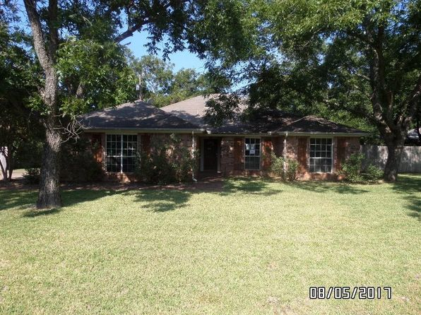 3 bed 2 bath Single Family at 9116 Hanging Moss Dr Granbury, TX, 76049 is for sale at 159k - 1 of 14