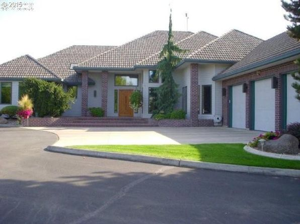 3 bed 3 bath Single Family at 240 E McKinney Ave Hermiston, OR, 97838 is for sale at 795k - 1 of 16