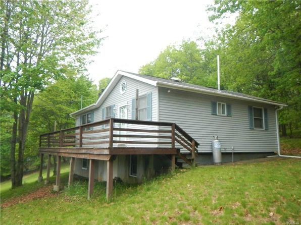 3 bed 2 bath Single Family at 15 Whitetail Trl Bloomingburg, NY, 12721 is for sale at 149k - 1 of 29