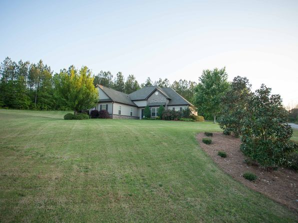 3 bed 2 bath Single Family at 433 Sara Hunter Ln NW Milledgeville, GA, 31061 is for sale at 179k - 1 of 37