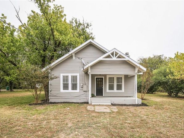 3 bed 2 bath Single Family at 311 S BUSINESS BLUE RIDGE, TX, 75424 is for sale at 165k - 1 of 36