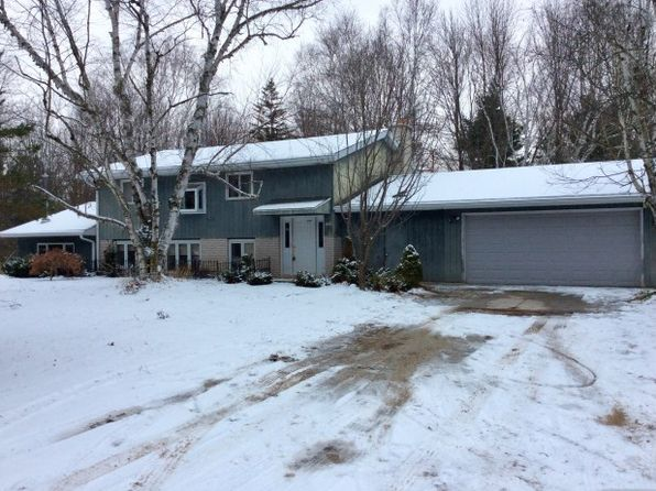 5 bed 2 bath Single Family at 5926 Clover Rd Manitowoc, WI, 54220 is for sale at 230k - 1 of 33