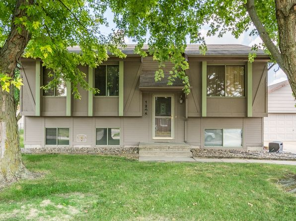5 bed 2 bath Single Family at 1205 NW Applewood St Ankeny, IA, 50023 is for sale at 181k - 1 of 20
