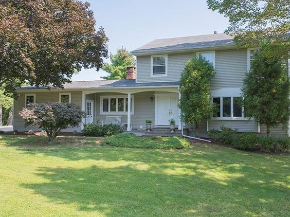 4 bed 3 bath Single Family at 14 Reeback Dr Valhalla, NY, 10595 is for sale at 869k - 1 of 27