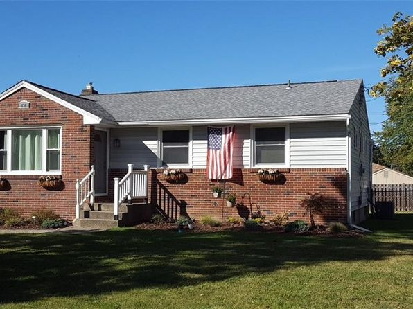3 bed 1 bath Single Family at 290 Seneca Pl Lancaster, NY, 14086 is for sale at 135k - 1 of 9