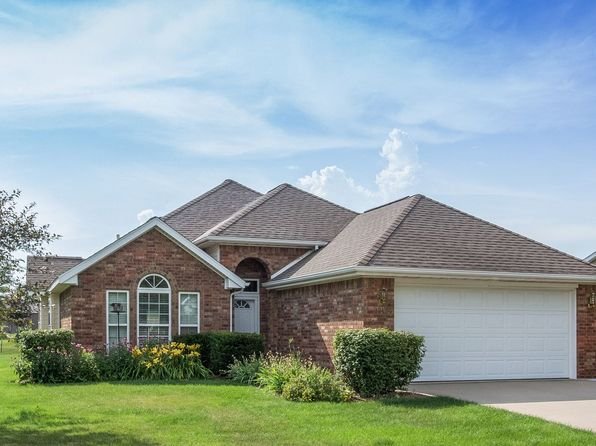 3 bed 2 bath Single Family at 1217 Flagstaff St Iowa City, IA, 52246 is for sale at 260k - 1 of 30