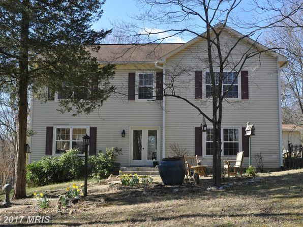 3 bed 2.5 bath Single Family at 20975 Old Hickory Ln Leesburg, VA, 20175 is for sale at 500k - 1 of 25