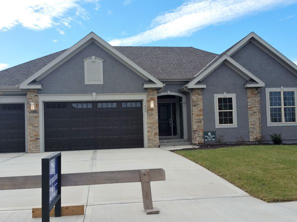 4 bed 4 bath Single Family at 11000 N Mattox Ct Kansas City, MO, 64154 is for sale at 378k - 1 of 12