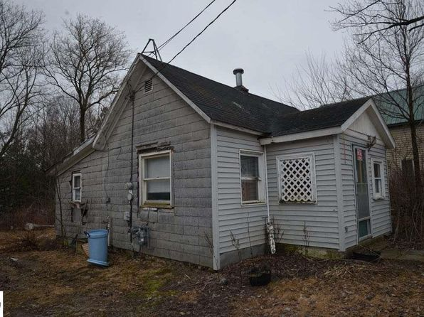 2 bed 1 bath Single Family at 2884 N MAIN ST CENTRAL LAKE, MI, 49622 is for sale at 20k - 1 of 11