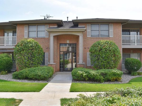 2 bed 2 bath Single Family at 9833 Wildwood Cir Munster, IN, 46321 is for sale at 145k - 1 of 18