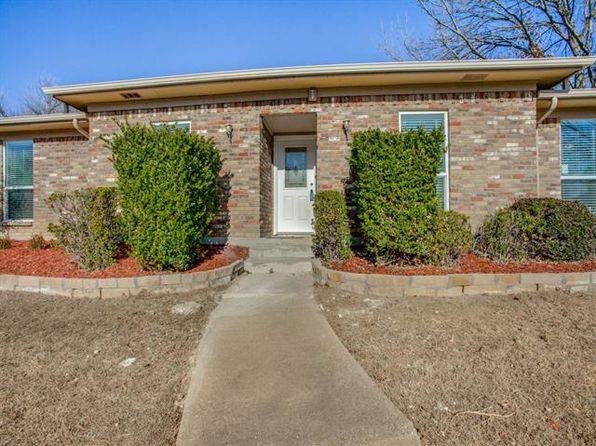 4 bed 2.5 bath Single Family at 2806 COUNTRY CLUB PKWY GARLAND, TX, 75043 is for sale at 260k - 1 of 23
