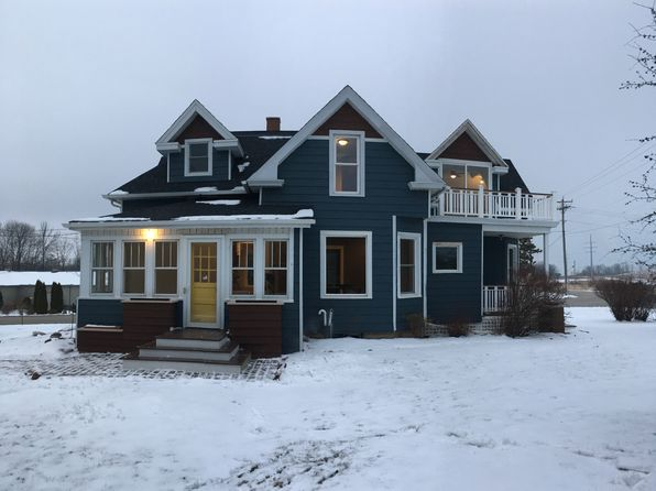 4 bed 3 bath Single Family at 1861 SUNSET RD Port Washington, WI, 53074 is for sale at 325k - 1 of 34