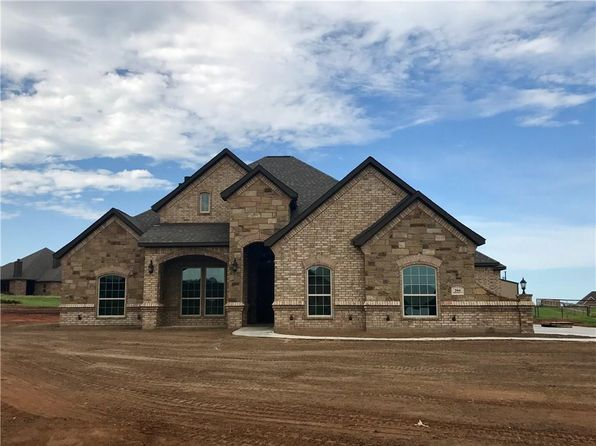 4 bed 2 bath Single Family at 204 Spring Meadow Ct Springtown, TX, 76082 is for sale at 325k - 1 of 24