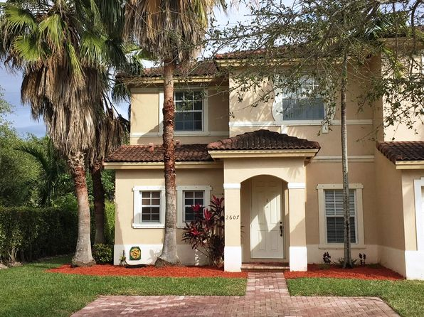 2 bed 3 bath Townhouse at 2607 NE 42nd Ave Homestead, FL, 33033 is for sale at 185k - 1 of 12