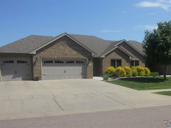4 bed 3 bath Townhouse at 7300 S Grand Arbor Ct Sioux Falls, SD, 57108 is for sale at 495k - 1 of 21