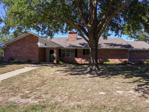 3 bed 2 bath Single Family at 1003 Carol Dr Lindale, TX, 75771 is for sale at 189k - 1 of 24