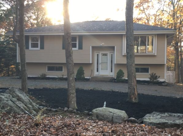 4 bed 2 bath Single Family at 802 MUSTANG CT HAWLEY, PA, 18428 is for sale at 239k - 1 of 10