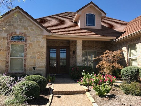 4 bed 3 bath Single Family at 46 N Shore Cir Waco, TX, 76708 is for sale at 348k - 1 of 21