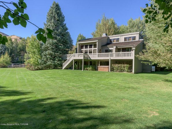 4 bed 3.5 bath Single Family at 425 N CANYON RUN BLVD KETCHUM, ID, 83340 is for sale at 1.80m - google static map