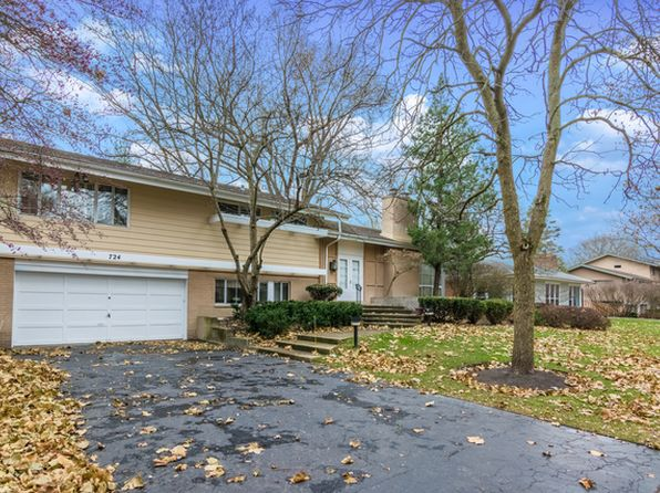 4 bed 3 bath Single Family at 724 Sycamore Ln Glencoe, IL, 60022 is for sale at 570k - 1 of 24