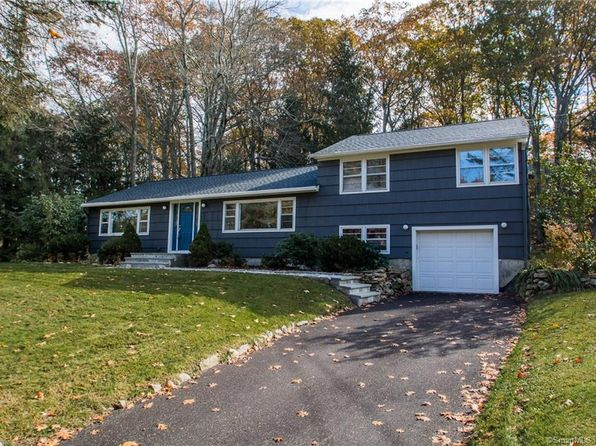 3 bed 2 bath Single Family at 5 SYCAMORE DR NEWTOWN, CT, 06470 is for sale at 289k - 1 of 38