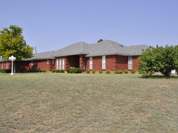 3 bed 3 bath Single Family at 621 Fm 1856 Sweetwater, TX, 79556 is for sale at 325k - 1 of 29