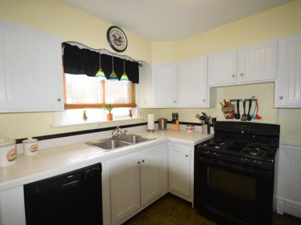 3 bed 1 bath Single Family at 127 Jewett St Manchester, NH, 03103 is for sale at 184k - 1 of 16