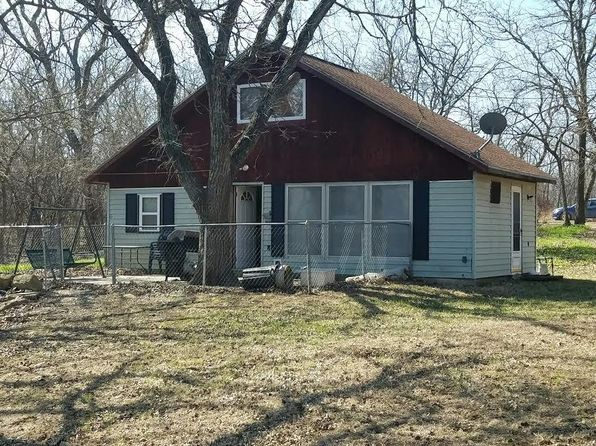 1 bed 1 bath Single Family at 108 COTTONWOOD CV COUNCIL GROVE, KS, 66846 is for sale at 110k - 1 of 16