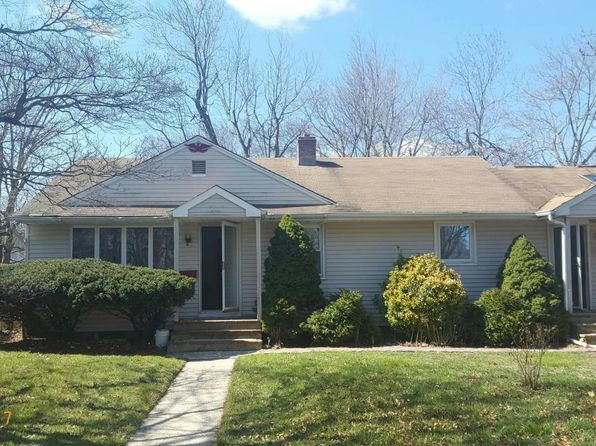 3 bed 2 bath Single Family at 10 Monmouth Rd Eatontown, NJ, 07724 is for sale at 216k - 1 of 13