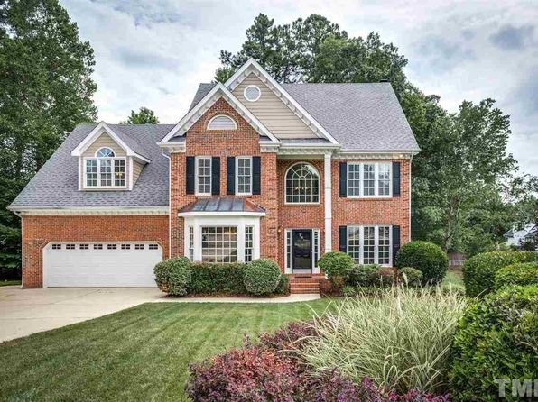 5 bed 3 bath Single Family at 8401 Largo Springs Ct Raleigh, NC, 27613 is for sale at 470k - 1 of 25